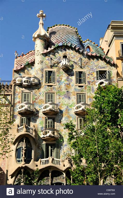 Facade of Casa Batlló, designed the most famous Spanish