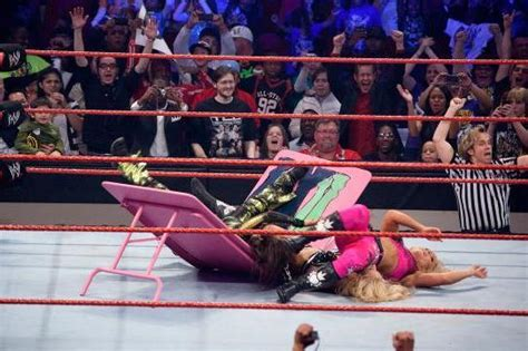 Ranking the 7 Best Divas/Women's Matches in History