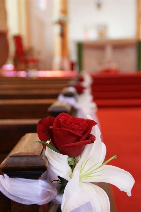 Simple church pew decorations   When I say I Do
